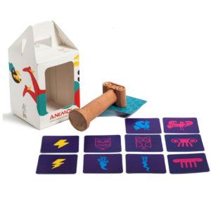 ΑΝΕΜΟΣ (ANEMOS) – Επιτραπέζιο Παιχνίδι με Κάρτες και Χειροποίητο Ξυλόγλυπτο Κίονα - Mia Ora